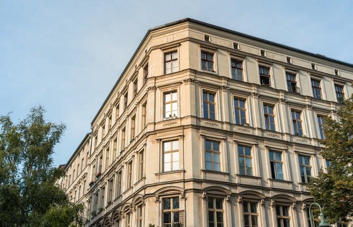 Bestandsbauten werden von der KfW anders gefördert als neubauten. KfW-Förderungen für (Foto: shutterstock -  katjen)