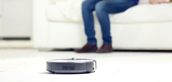Saug Wisch Roboter Test 2020: Mit einem SEHT GUT geht kein Modell nach Hause (Foto: Shutterstock - Africa Studio)