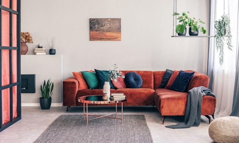 Farben sind ein wichtiges Element des Möbeldesigns und haben einen entscheidenden Einfluss darauf, wie ein Interieur wirkt.  (Foto: Shutterstock-Photographee.eu)