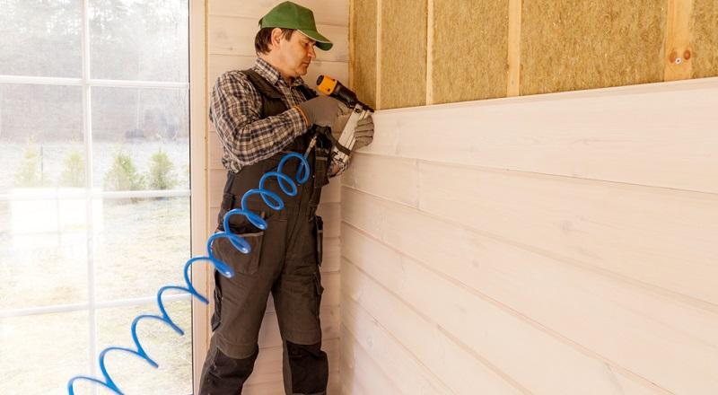 Vollwärmeschutz ikann man zwischen den Wänden, auf den Wänden oder auch auf der Fassade anbringen.( Foto: Shutterstock- Olga_Ionina)