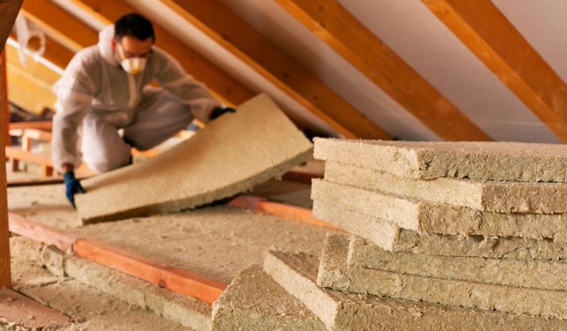 Alle WDVS haben eines gemeinsam: Sie <strong>halten die Wärme des Gebäudes innen</strong> und die <strong>Kälte außen</strong>. Damit werden <strong>Heizkosten deutlich gesenkt</strong>. ( Foto: Shutterstock- Nagy-Bagoly Arpad )