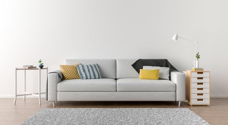 Schreibtischlampe zweckentfremdet und trotzdem praktisch. (Foto: Shutterstock-pozitivo)