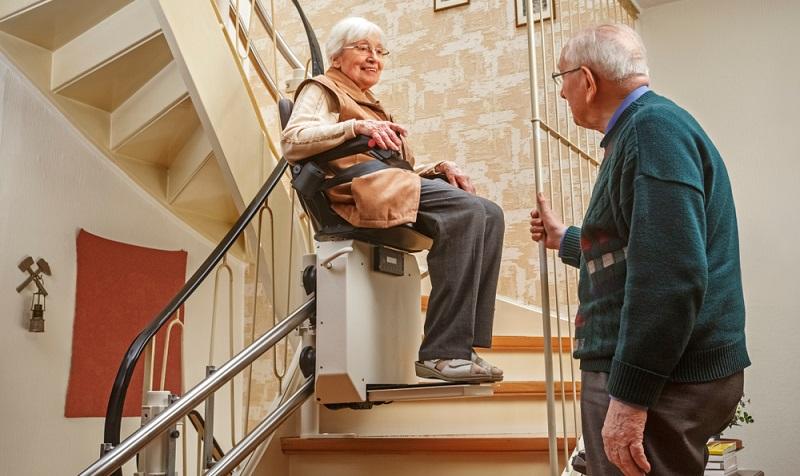 Altersgerechtes Wohnen eine enorme Erleichterung im Alter. ( Foto: Shutterstock- Ingo Bartussek )