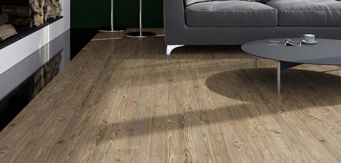 Linoleum in Holzoptik: der perfekt biologische Bodenbelag (Foto: Bricoflor)