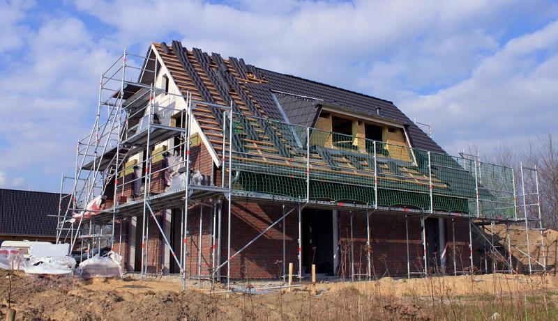 Eine Baugenehmigung wird nur erteilt, wenn ein Bauplan vorliegt – und geprüft werden kann. (Foto: Shutterstock-Bildagentur Zoonar GmbH )