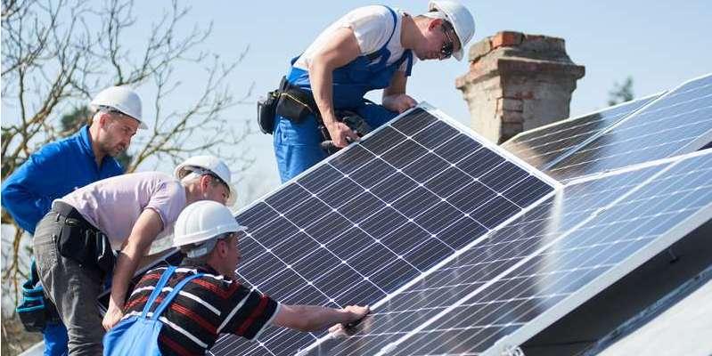 Das Land NRW fördert einen neu gekauften stationären Batteriespeicher sowie eine neue Photovoltaik-Anlage. ( Foto: Shutterstock-natoliy_gleb)